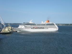 båt_i_hamnen
